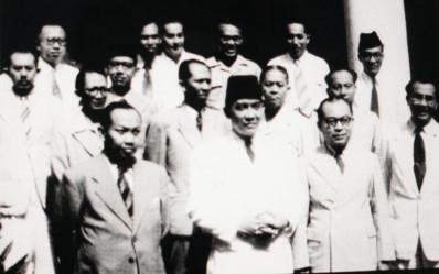 Mengurai Sejarah APBN Indonesia